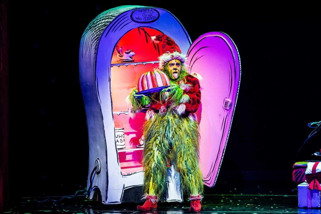 Porthcawl Taxi to Cardiff? See The Grinch at Cardiff Motorpoint Arena